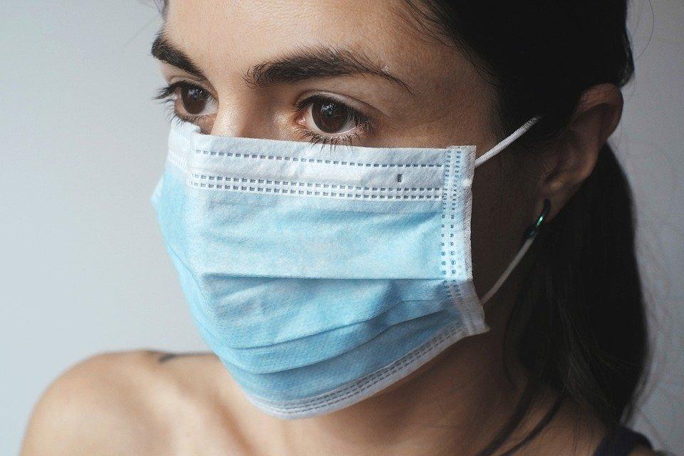 Je to chřipka nebo koronavirus? To je oč tu běží
