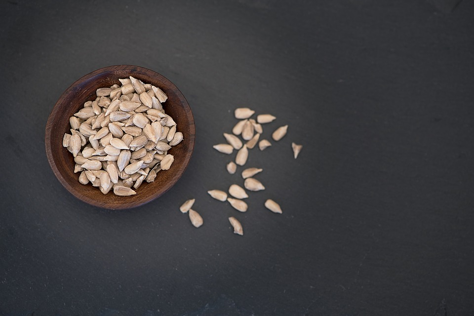 Slunečnicová semínka a jak prospívají zdraví