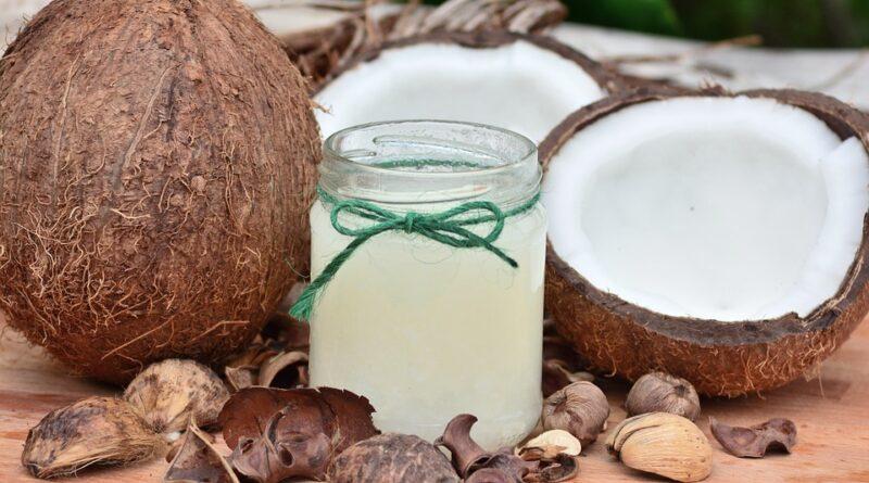 Kokosový olej - pro zdraví nebo jenom na škodu?