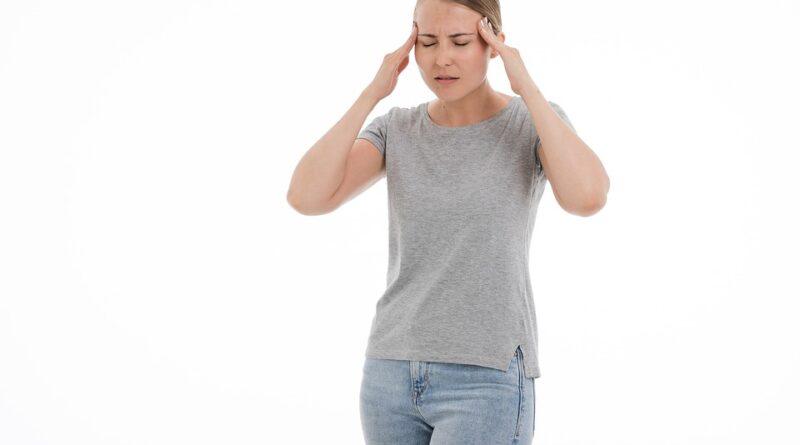 co způsobuje migrénu