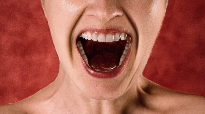 zuby co škodí